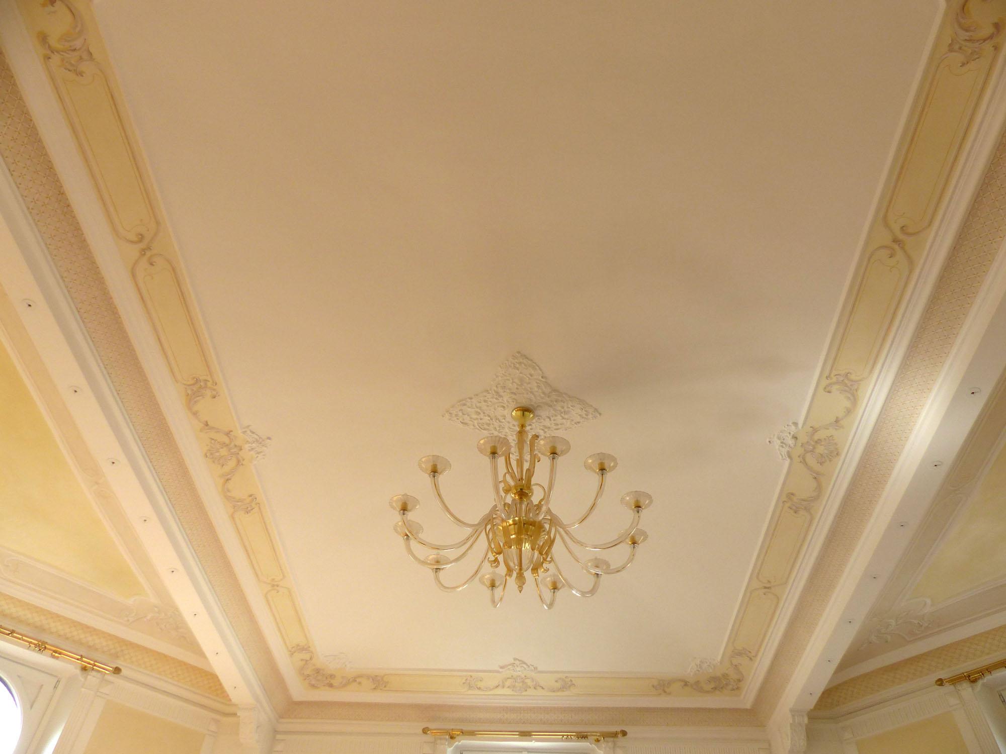 Soffitto Dipinto Cielo : soffitto dipinto con stucchi a trompe l oeil ...
